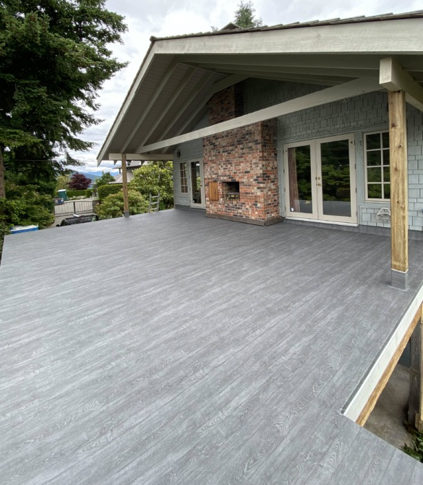 After - Vinyl Decking Installation - West Vancouver - 66 Mil Grey Pearl Plank